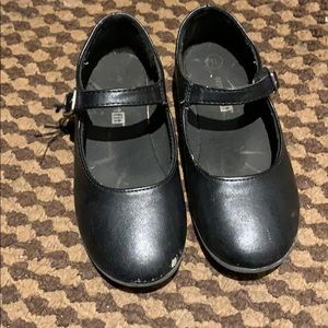 *** 3 / $25 *** Girls dress shoes